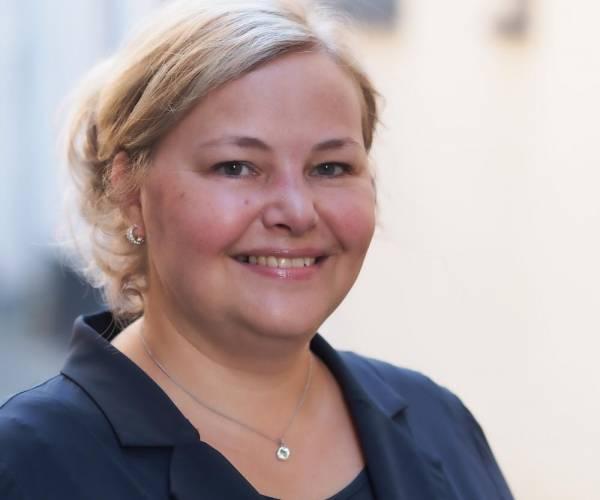 Martine Huizinga nieuwe directeur-bestuurder Wonen Noordwest Friesland
